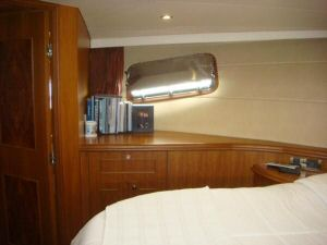 60' Ocean Alexander LRC Trawler Guest Stateroom Port View