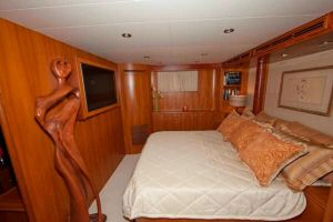 60' Ocean Alexander LRC Trawler Master Stateroom Port View